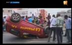 Vidéo Urgent – accident sur la route de l'aéroport causé par une auto-école. Regardez