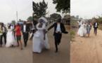 En images: la mariée s'enfuit de l'église après avoir appris que son fiancé n'est pas un riche pétrolier