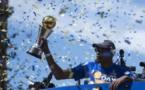 Basket - NBA - Golden State a fêté son titre et s'est bien moqué de LeBron James