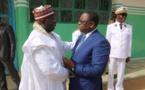 3 photos : Macky Sall présente ses condoléances à la famille du marabout Thierno Abdoulaye Diop de Rufisque