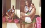 INSOLITE : Une mère baigne et nourrit son fils adulte au biberon, pour célébrer son anniversaire