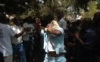 Vidéo – Petit Mbao : Un agresseur fuyant la foule tombe dans un puit et demande …