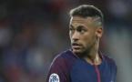 """Plainte contre Neymar: le PSG """"regrette l'attitude du FC Barcelone"""""""