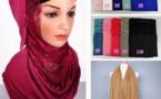 Le Hijab en Turc avec le foulard en soi