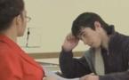 Quand une prof très sexy surveille des élèves, la caméra cachée hilarante (vidéo)