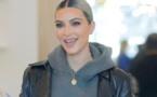 Kim Kardashian : Et maintenant, elle pose à quatre pattes…