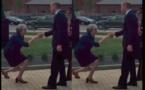 Royaume-Uni : Theresa May fortement critiquée pour son geste de politesse envers le Prince William (photos)