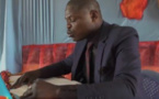 A cause de ses fautes, ce doctorant se fait expulser de la salle alors qu'il présente sa thèse (vidéo)