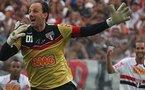 Rogerio Ceni : Ce gardien de but qui a marqué 100 buts (vidéo)