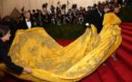 Photos : la robe extravagante de Rihanna qui fait le buzzzzzzz