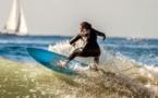 Surf: A la découverte de Khadjou Sambe, celle qui dompte les vagues californiennes !