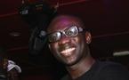 Le chanteur Pape Diouf pète les plombs au consulat de France