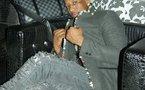 Photo : Le jet-setteur Aziz Fashion et son sac Louis Vuitton qui coûte 1000 euros