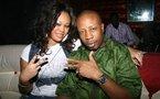 Paco Jackson avec la video-girl Khadija Diallo au Ngalam