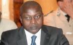 """Cité par """"Jeune Afrique"""" dans le scandale de corruption de la société espagnole Defex : Oumar Guèye dans de sales draps"""