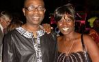 Photo : Youssou Ndour avec une fan...