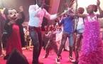 Petit bal: les enfants dansent au rythme de Mbaye Dieye faye.C'était le 25 Décembre au CICES avec Youssou Ndour