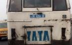 "PHOTO - Un bus ""Tata"" en pleine circulation sans feu de signalisation"