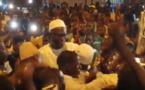 VIDEO - Khalifa Sall dans les bras de Mbackiyou Faye juste devant la mosquée Mass