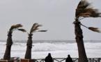 Tempête Amélie: 23 000 foyers privés d'électricité ce lundi matin