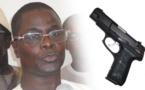 VIDEO - TOUBA: Un Mbacké-Bbacké sort son pistolet et tire sur le maire Abdou Lahat Kâ