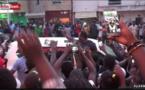 VIDEO - Du jamais vu ! Modou Lô crée un embouteillage à Keur Massar