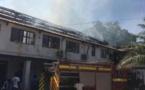 (Photos): Le Ministère de la Pêche gambien ravagé par un violent incendie