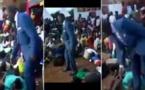 Ouganda: Un pasteur fouette ses fidèles pour ne pas s'être rendus à l'église (vidéo)