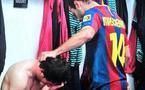 Messi en larmes dans les vestiaire après l'élimination du Barça
