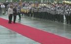 Hollande un peu chancelant devant Merkel