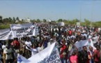 Gambie : Trois morts lors d'une manifestation pour le départ du Président Barrow