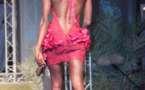 Fleur Mbaye en mode dos nu