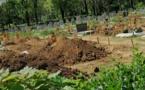 Tristes images, une famille sénégalaise enterre un de ses siens décédé du coronavirus en France (Photos)