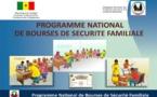 VIDEO - Khombole : les bénéficiaires des bourses familiales rassemblés depuis plusieurs jours devant le bureau de Poste