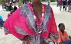 Gyna, la journaliste d'icone magazine en mode été
