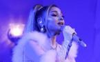 Ariana Grande devient la première femme à atteindre 200 millions d'abonnés sur Instagram!