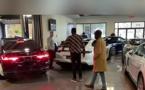 VIDEO - Mo Gates offre 450 millions à sa maman Deux Ranger Rover et un Maybach Mercede
