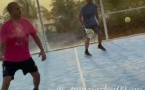 Tony Parker en visite au Sénégal : le Lamantin Beach accueille la star française du basket