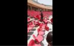 VIDEO/ Arène national: Les lutteurs sanctionnés réparent les chaises  saccagées par leurs supporters