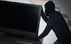 Pris en flagrant délit de vol : El Hadji Ndiaye prétexte qu'il voulait entrer discrètement dans le studio de sa petite amie