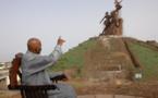 Découvrez l'histoire du gigantesque Monument de la Renaissance , construit par la propagande nord-coréenne