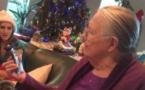 VIDÉO. Ce cadeau de Noël n'a pas plu à cette grand-mère... ou presque