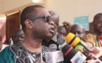 Gambie: Youssou Ndour a rendu visite à la famille de Moussa Ngom