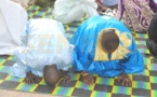 (3 photos) : Wally Seck en pleine prière