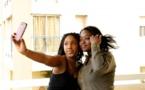 Amy Sarr Fall en mode selfie avec Liliane, la fille de Dj Eduardo