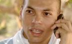 Voyage précipité après sa libération : Karim se rachète en appelant ses militants et soutiens