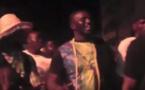 """Vidéo - Quand Balla Gaye 2 importe le """"bois sacré"""" dans les rues de Dakar au nom de la paix en Casamance – Regardez"""