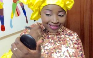Mya Guèye en mode maquillage!!!