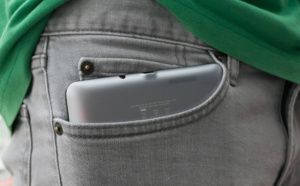 Tout ce que l'on ne vous dit pas sur les effets de mettre le portable dans la poche !