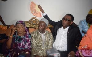 Photos : Youssou Ndour en compagnie de son père Elimane et de sa mère Ndèye Sokhna Mboup